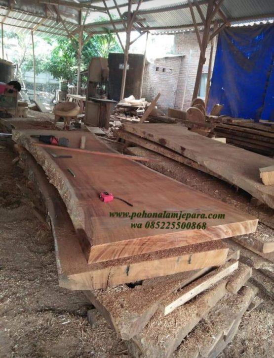kayu utuh tanpa sambung